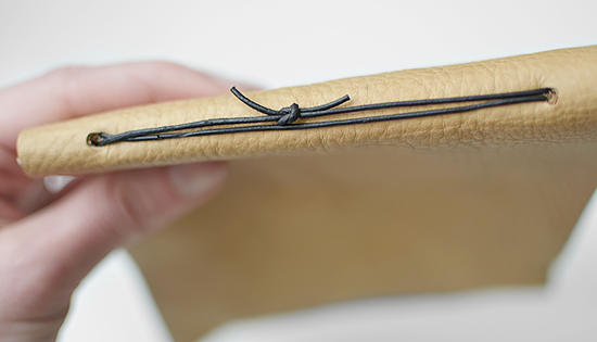 istillloveyou-bookbinding-easy-tutorial-leather-book-17
